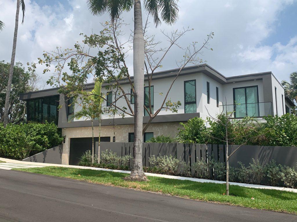 Modern Home Design with Modern Kitchen in Victoria Park Florida